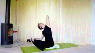 miki miki- 5 minutters træningsprogram mod stivhed og spændinger i skulder og nakke!
