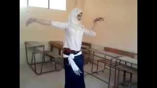 طالبة رقص