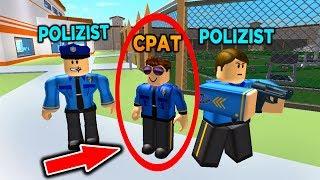 CRIMINAL POLICEMAN disguised - Roblox jailbreak PRANK as