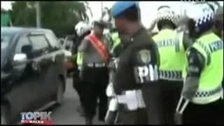 Kyai Ditilang Ngamuk Melawan Polisi