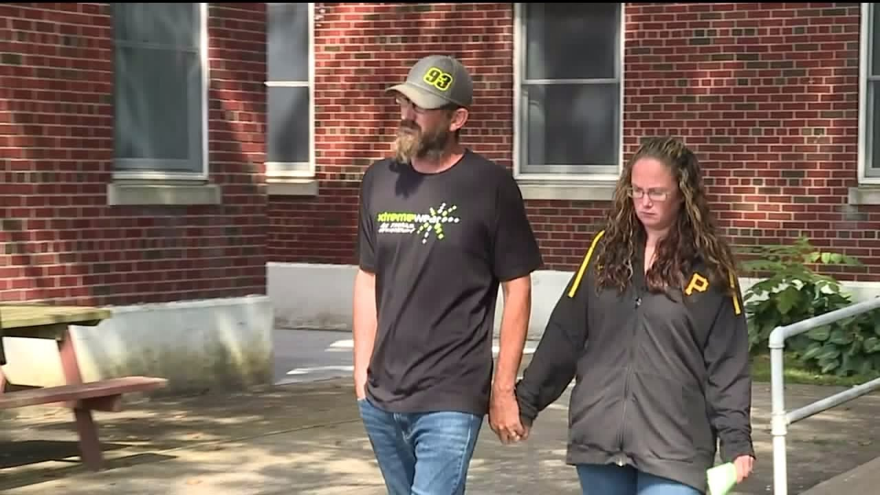 Couple Accused of Shopping Spree After $120K Bank Error: 'We Took Some Bad Legal Advice'
