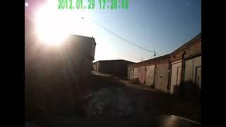 Нехер парковаться под чужим гаражом.avi(, 2012-02-19T05:05:22.000Z)