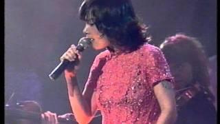 Björk - Bachelorette live MTV 1997