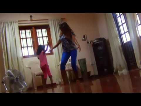 Surenie De Mel & her Daughter s' Dance to Tukur Tukur Song