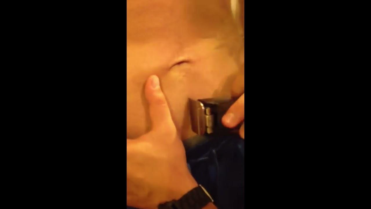 Студентку юбочке, видео как мужики бреют друг другу яйца