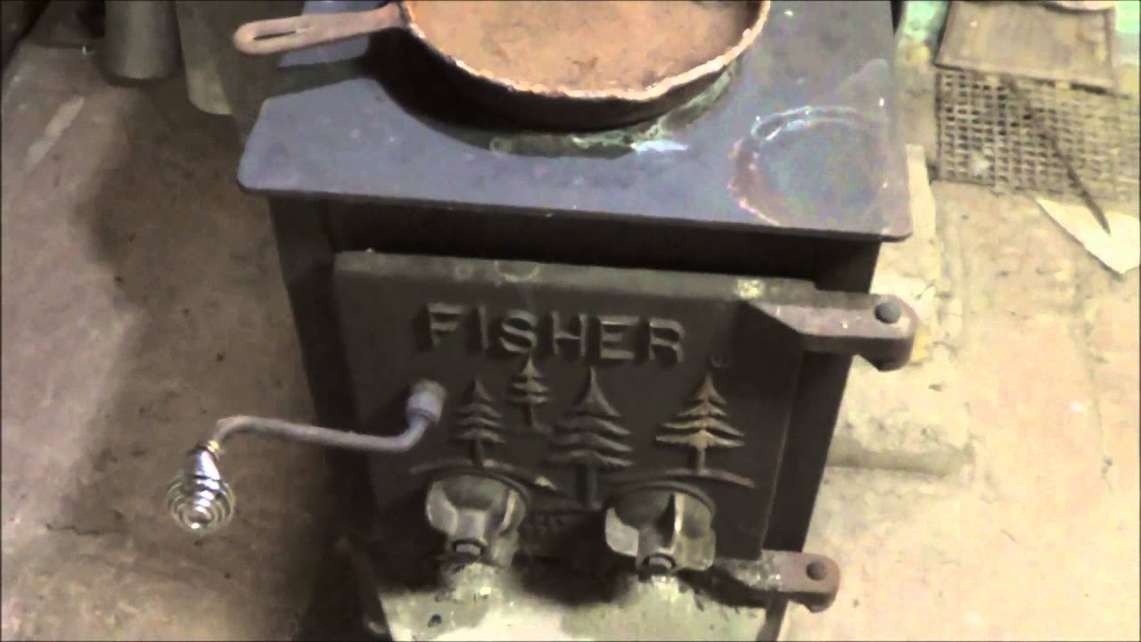Fisher Wood Stove, Mama Bear - YouTube