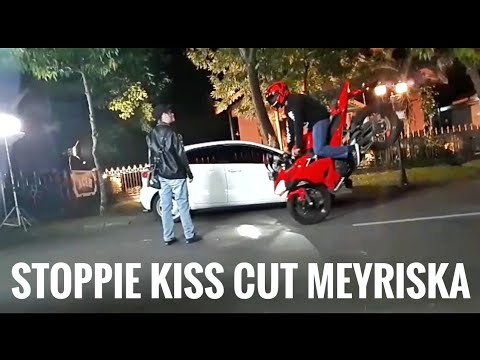 STOPPIE KISS CUT MEYRISKA ANAK LANGIT   New Ninja 250