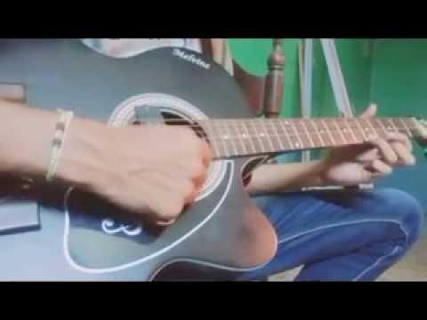 Mune Ekli Janine Kana E Chedi on guitar
