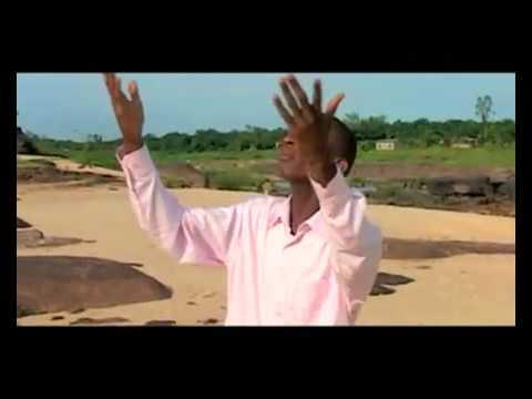 Sr Esther Akawa et Fr Blaise Manzambi Oza Monene www tieranuevo skyrock com