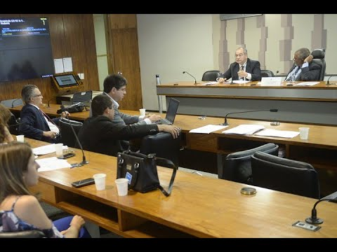 Especialistas pedem defesa rígida de direitos trabalhistas em audiência pública