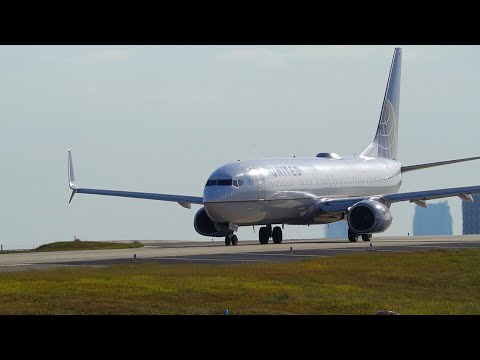 Tampa Plane Spotting Close Up Action From the TARMAC