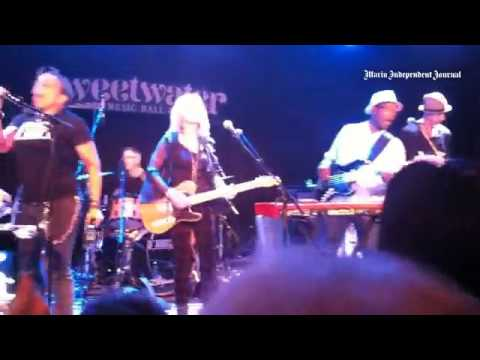 @bonnie_hayes shakes it up in Marin @SweetwaterMV.  Soul City, baby!