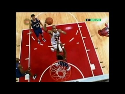 Marcus Fizer Drives Past Laettner and Posterizes Larry Hughes (2003)