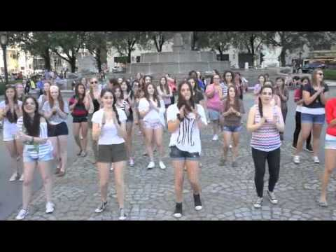 ONE DIRECTION NYC FLASHMOB MAY 20 2012