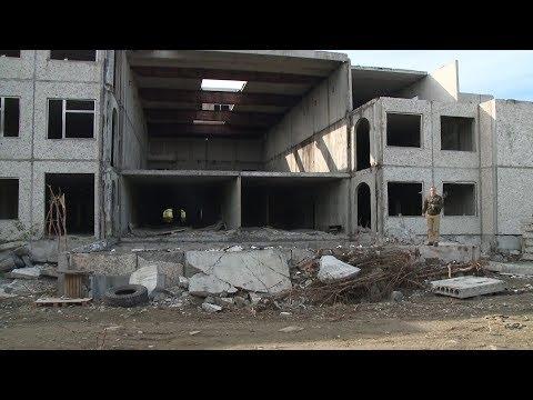 В Апатитах этим летом демонтируют сразу два здания
