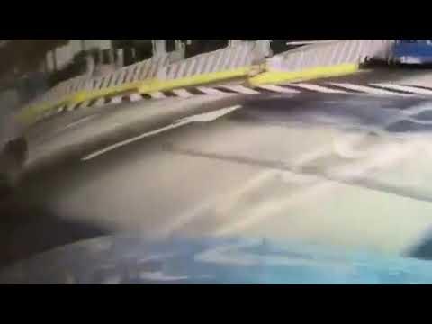Enfrentamiento de GN vs sujetos armados en carretera en Michoacán