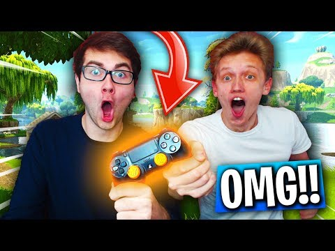 FORTNITE DUO IN REAL LIFE! (2 People 1 Controller In Fortnite: Battle Royale!)