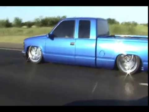 Ford Lightning Vs Chevy Silverado Ss >> Chevy Silverado laying body on 22's | Doovi