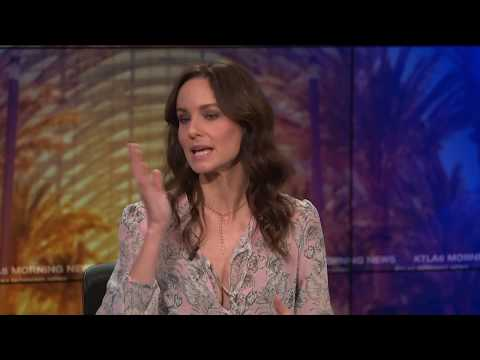 """Sarah Wayne Callies on How Josh Holloway Fought for her with """"Colony"""""""
