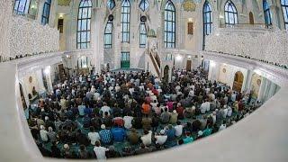 Ураза-байрам в мечети Кул Шариф(Сегодня в 4:50 утра в мечетях Татарстана прошли намазы в честь Ураза-байрам — праздника окончания поста в..., 2014-07-29T05:10:26.000Z)