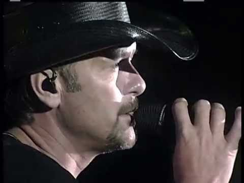 TIM McGraw For A Little While 2009 LiVe