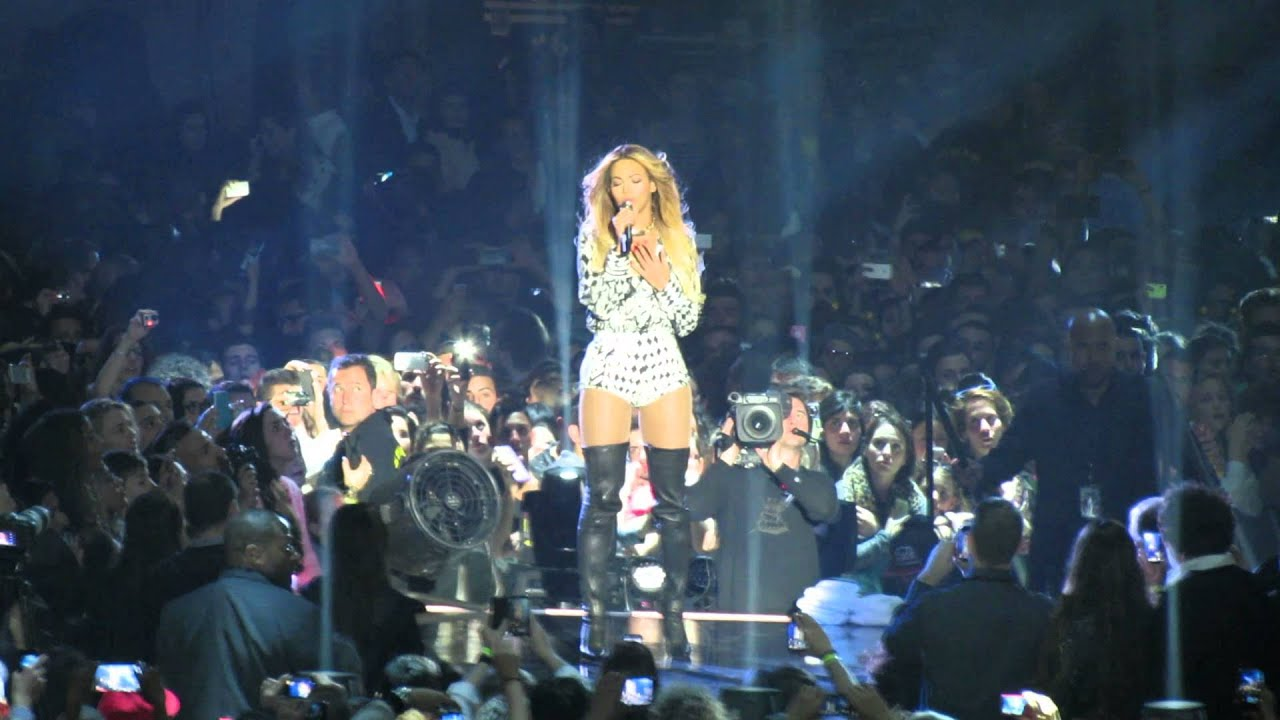 Resultado de imagen de Beyoncé in Barcelona, Spain - Full concert The Mrs Carter Show 2014