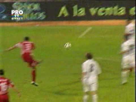 Golul lui Claudiu Niculescu din Dinamo Bucharest-Real Madrid (what a goal?!?)