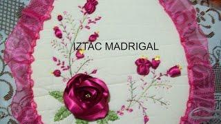 Rosa estrella en cintas Iztac Madrigal