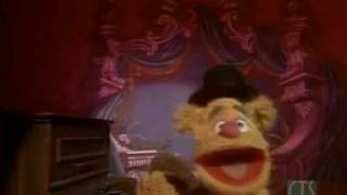 Muppet Show. Fozzie Bear and Rowlf - An Actor
