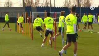 Video Real Madrid complete final training session before the Celta game download MP3, 3GP, MP4, WEBM, AVI, FLV Mei 2018