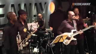 Wayne Hernandez sings Horace Brown