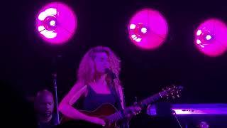 """Gambar cover Tori Kelly """"All In My Head/ Dear No One"""" Fourth Presbyterian Church"""