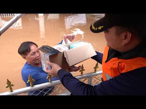 กู้ภัย อบจ น่าน นำเรือช่วยเหลือประชาชน