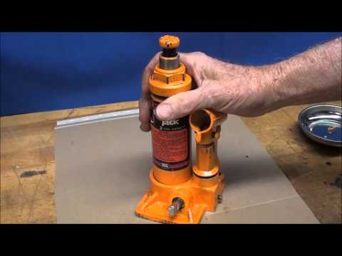 """WHAT MAKES IT WORK? #17 pt 1 of 2 """"How a Hydraulic Jack Works"""" tubalcain"""