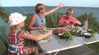 Tv-klip: Anne-Vibeke Rejser - Ebeltoft, aftenhygge på Blushøj Camping