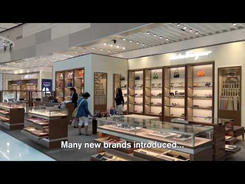 Impressions Of The World´s Largest Heinemann Duty Free Shop At Sydney Airport