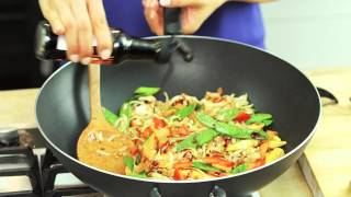 Chicken Pad Thai Recipe With Crunchy Vegetables: Amoy