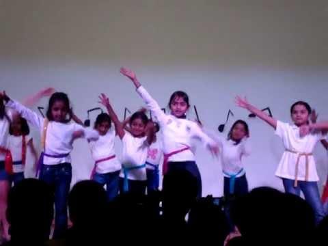 Car wash dance (Nishani) at Performing arts night - YouTube