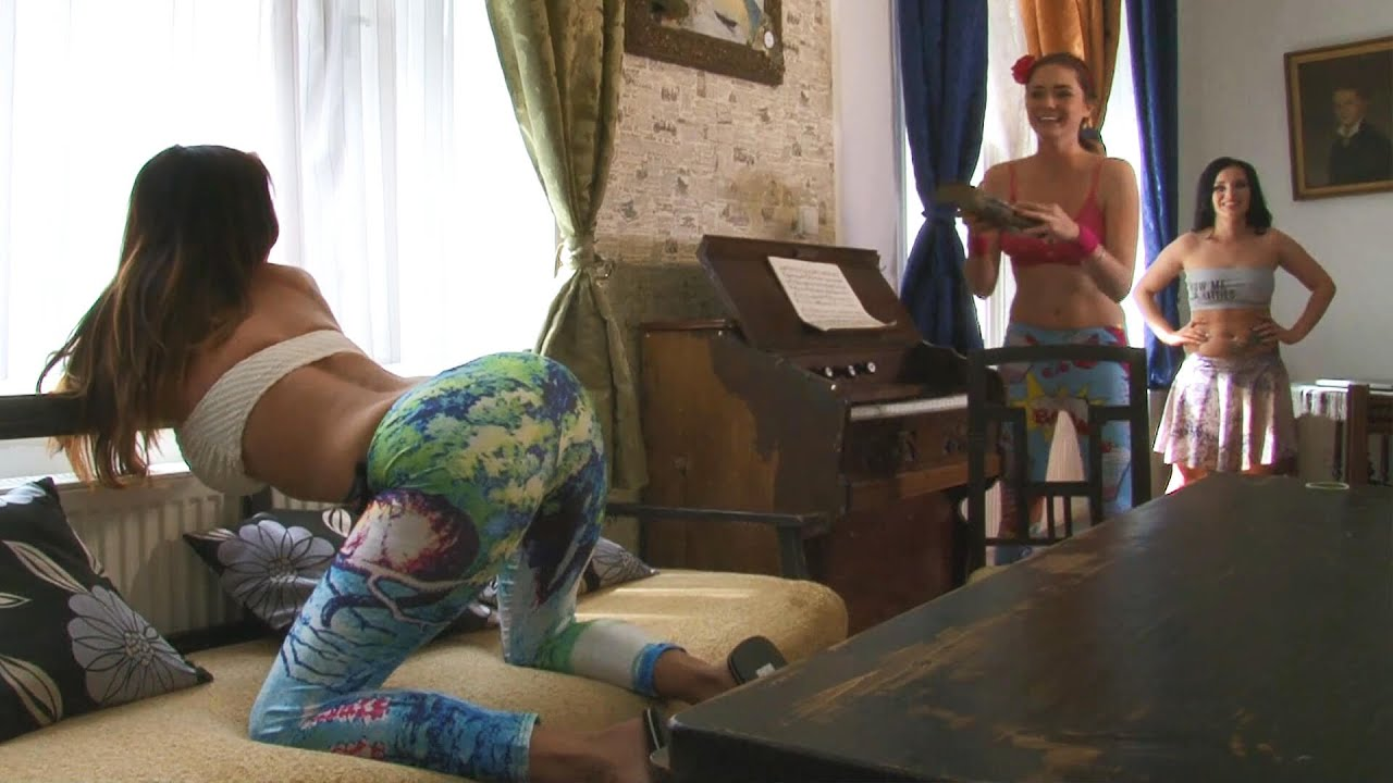 Rachel´s Twerk at the Window in Colorful Leggings starting with the girls before lingerie try on