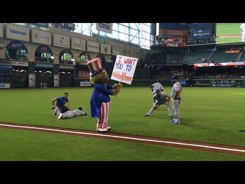 Astros mascot Orbit channels Uncle Sam, says 'Vote for Altuve'
