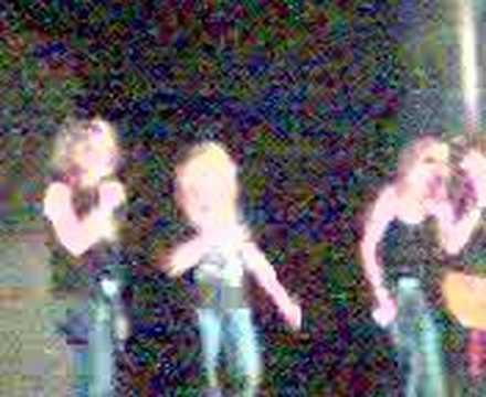 Wierd Karaoke at tec voc #1 2007