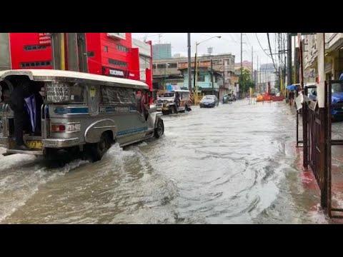 'Maring' brings heavy rains, floods to Metro Manila