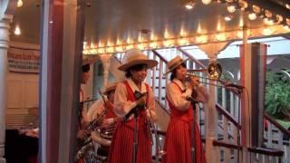 2010年8月に 東京ディズニーランドの蒸気船マークトウェイン号で開催さ...