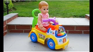 Muñeca montando en el Autobus * Baby Doll Ride on Bus * Canciones Infantiles