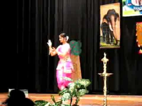 MARGAZHI THINGAL Divya Unni Dance Onam
