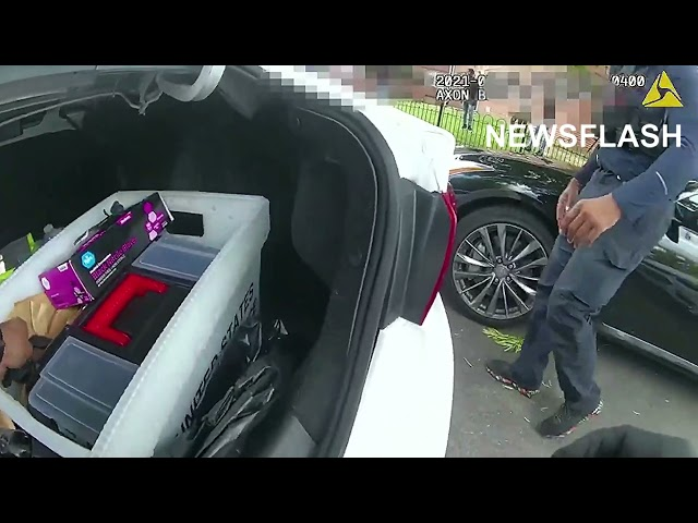 Cops Broke The Finger Of A Gunman During Arrest
