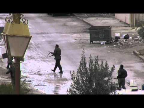 درعا حي القصور الأمن يعتدي على المتظاهرين  ج3 13-1-2012