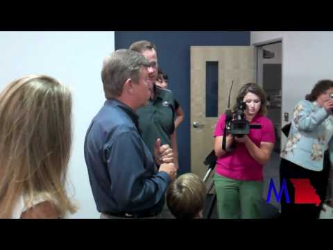 Sen. Roy Blunt tours Joplin High School facility (8/20/2011)