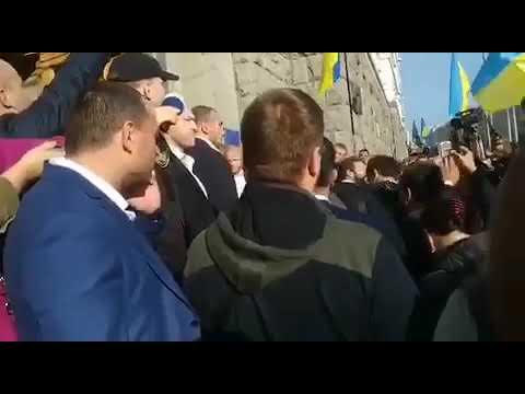 ATNrezerv: Харьковские предприниматели вышли на пикет против дороги через «Барабашово»