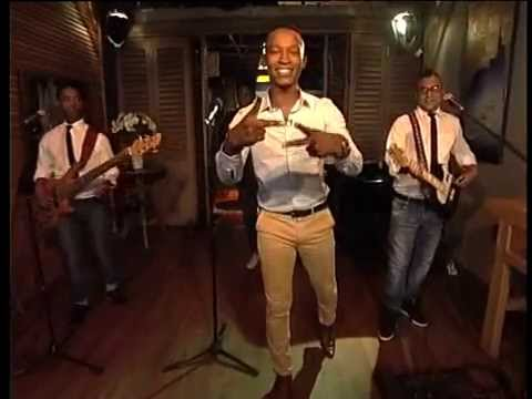 Emo Adams performs 'Capetonian' on Expresso